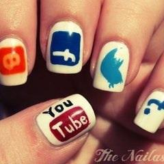 Social Media Fingernail Art